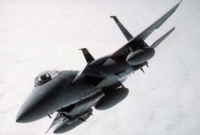 Американский истребитель-бомбардировщик F-15