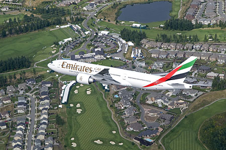 Самолет Boeing 777 Emirates (Эмирейтс)