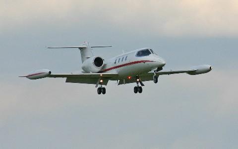 Транспортный самолет Learjet 35A
