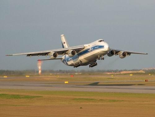 Самолет Ан-124 Антей - фото