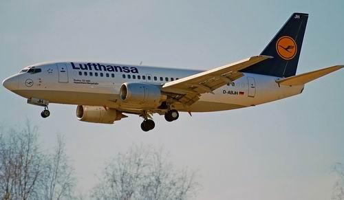 Авиакомпания Lufthansa отменила все рейсы из Германии 17 апреля